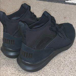Black pumas size 7